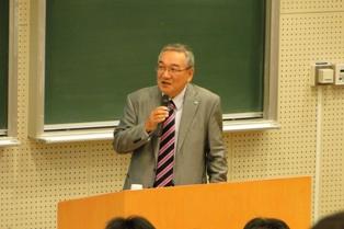 澤田氏による講演「社会人としての皆様に期待すること」