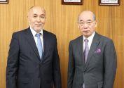 井村屋浅田会長と鵜飼学長との対談が行われました。