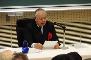 講演する米倉会長2